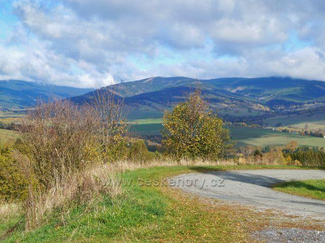 Zlatý Potok - pohled do údolí Malé Moravy