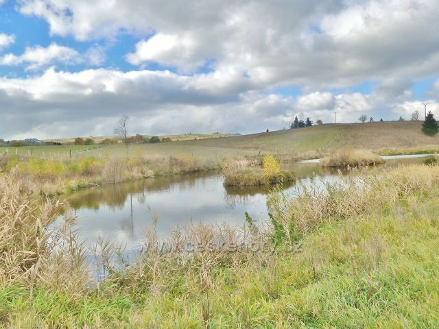 Vysoký Potok - rybníček pod zemědělskou farmou
