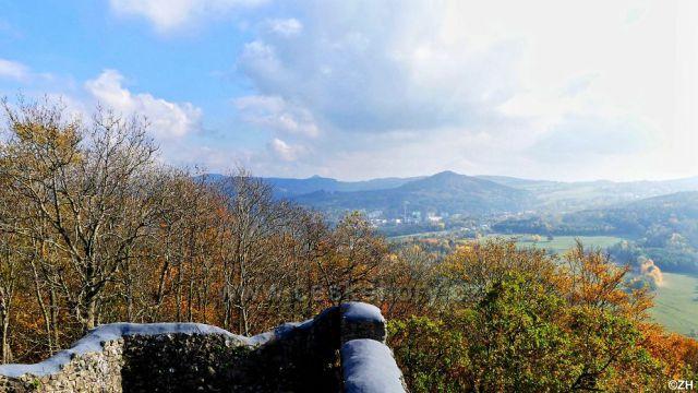 Ze Zámeckého vrchu Klíž a Šenovský vrch