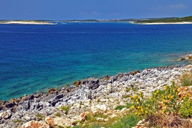 Istrie - pobřeží u Medulinu