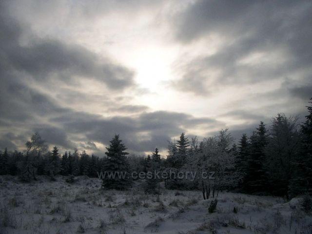 přehrada Kamenička v zimě