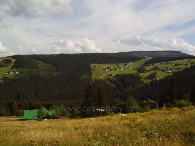 Pohled z Hnědého vrchu na Zahrádky