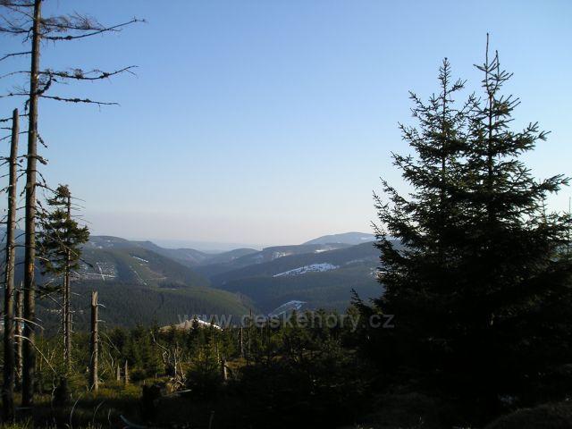 Pohled od Jelenky do úpského údolí