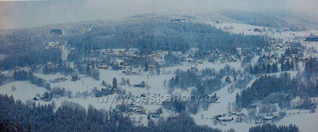 Krkonoše panorama z Vítkovic směrem na Benecko