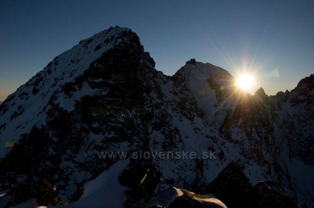 Západ slunce za Lomnickým štítem.