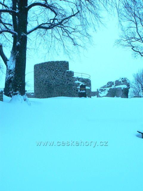 Zřícenina hradu Krupka (Rosenburg)