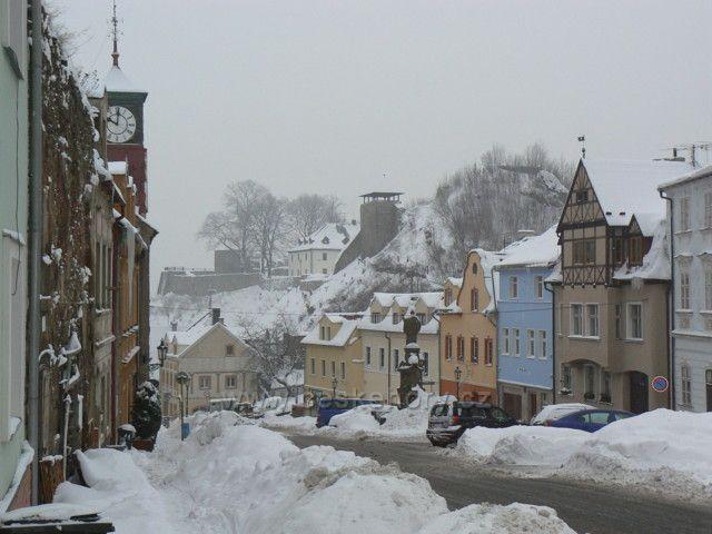 Husitská ulice a hrad Krupka