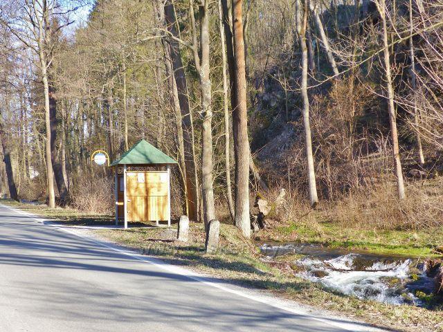 Autobusová zastávka Malá Morava, U Trundů
