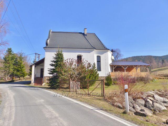 Sklené - objekt místního svatostánku byl přestavěn a slouží k občanskému bydlení