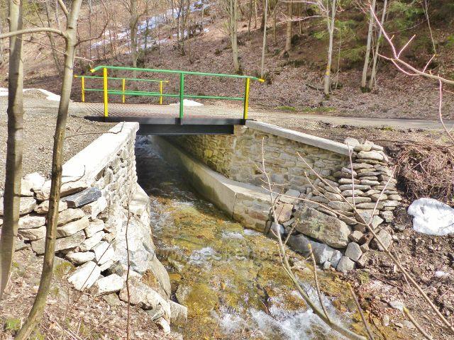 Dolní Morava - Smolkův most překlenuje Mlýnský potok