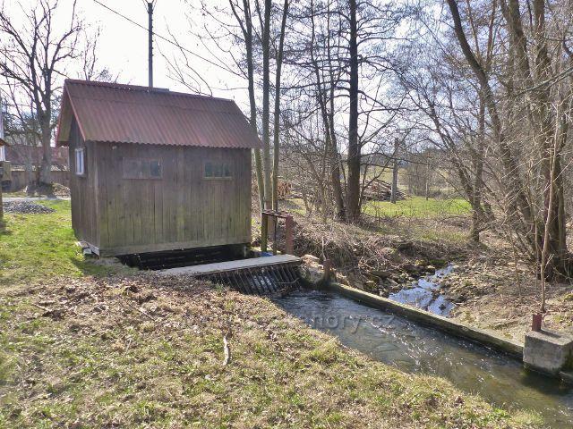 Dolní Morava - náhon Mlýnského potoka na rozcestí U Mlýnice