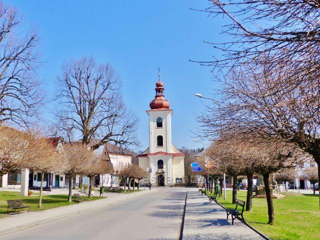 Rokytnice v Orlických horách - farní kostel Všech Svatých