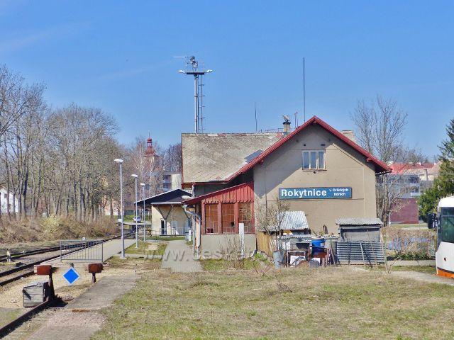 Rokytnice v Orlických horách - vlakové nádraží, konečná stanice lokální trati z Doudleb nad Orlicí