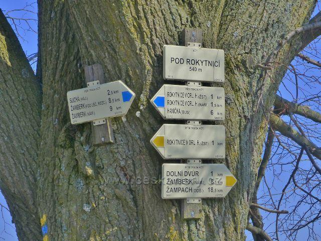 """Rokytnice v Orlických horách - turistický rozcestník """"Pod Rokytnicí, 540 m.n.m."""""""