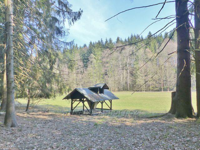 Myslivecké zařízení v údolí Rokytenky
