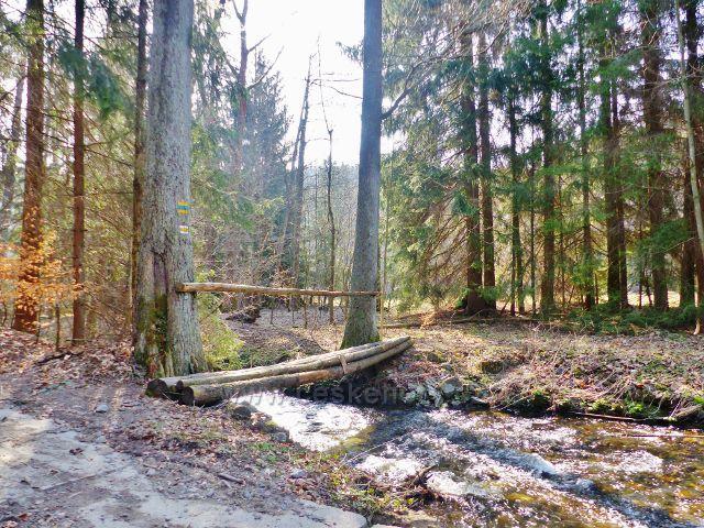Mostek pro pěší přes Rokytenku