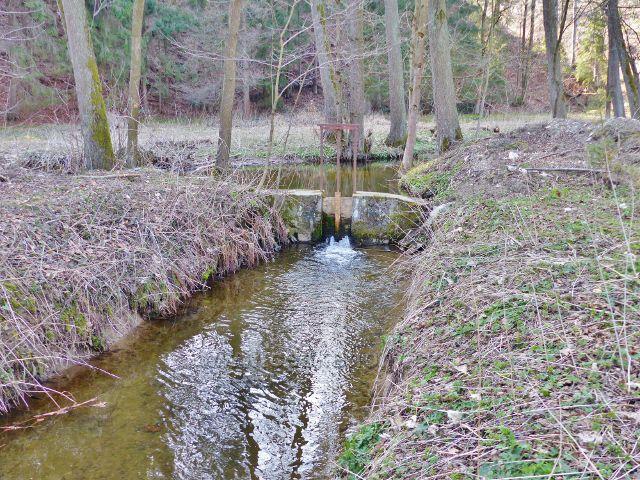 Náhon z Rokytenky na Kunvaldský rybník