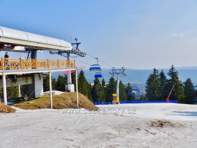 Šerlich - horní stanice polské lanovky Skiareálu Zieleniec