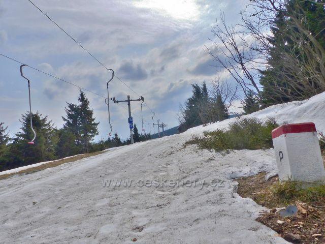 Šerlich - polský lyžařský vlek podél státní hranice