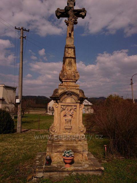 Chromeč - silnice k Bludovu