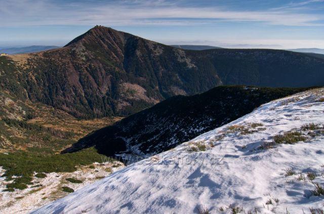 podzimní Sněžka ze Studniční hory