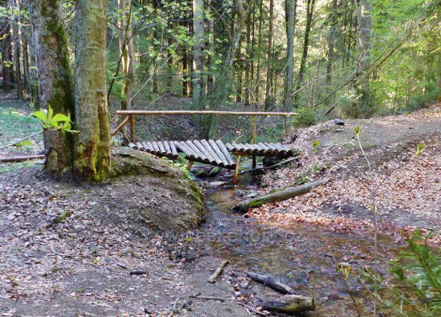 Mostek přes pravostranný přítok potoka Hvězdná