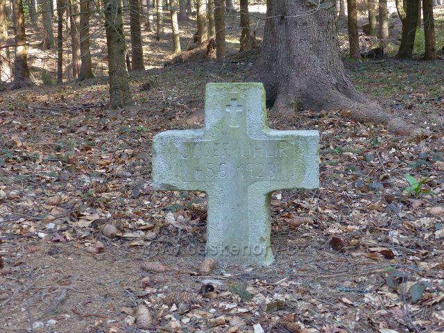 Křížek u potoka Hvězdná