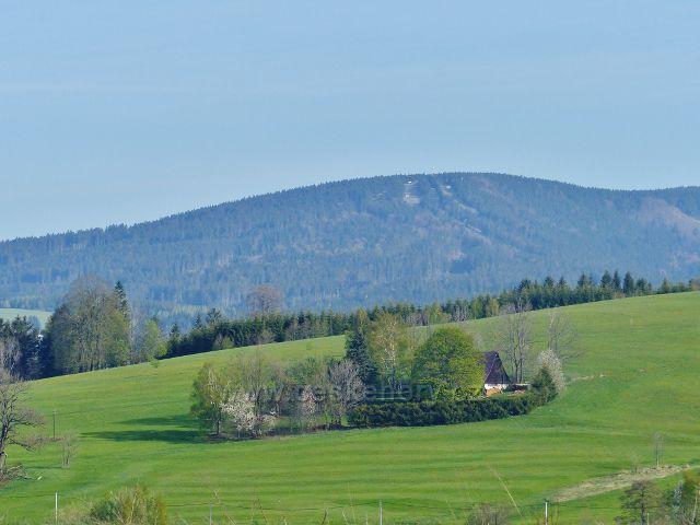 Pohled z Polova kopce na vrch Zakletý