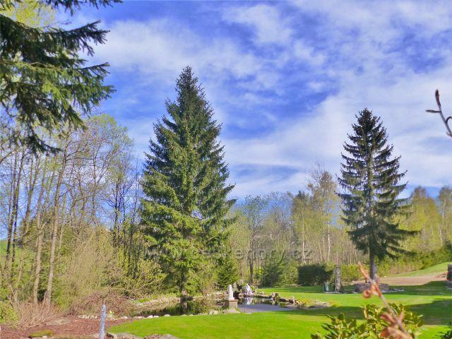 Panské Pole - rekreační zahrada s jezírkem