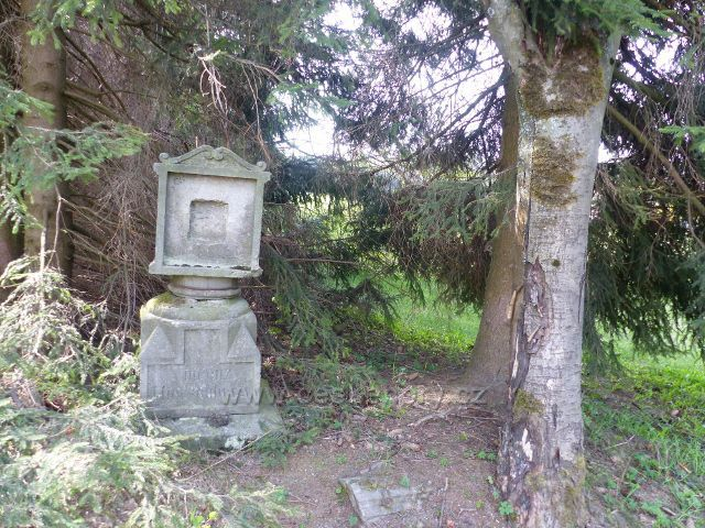 Panské Pole - torzo pomníku