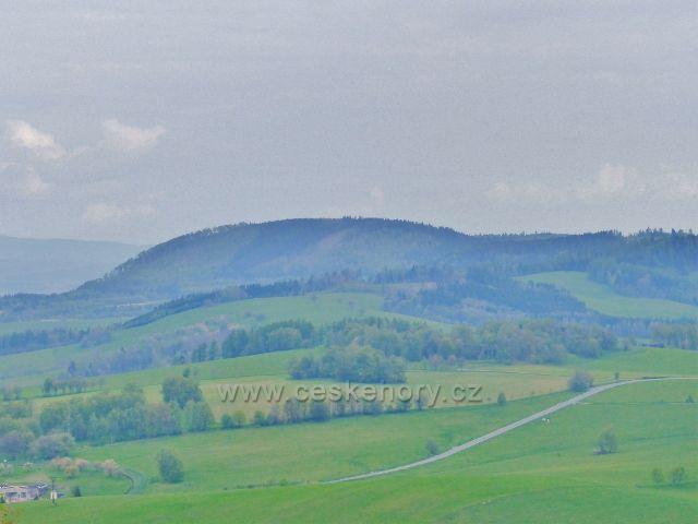Pohled na vrch Urwista(794 m.n.m.) v Polsku