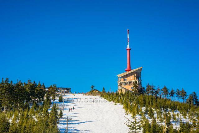 Televizní vysílač - Lysá hora v zimě