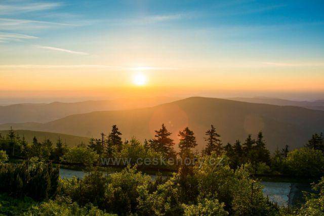 Východ slunce z Lysé hory