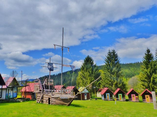 """Horní Orlice - rekreační tábor mládeže, pirátský koráb """"Bouře"""""""