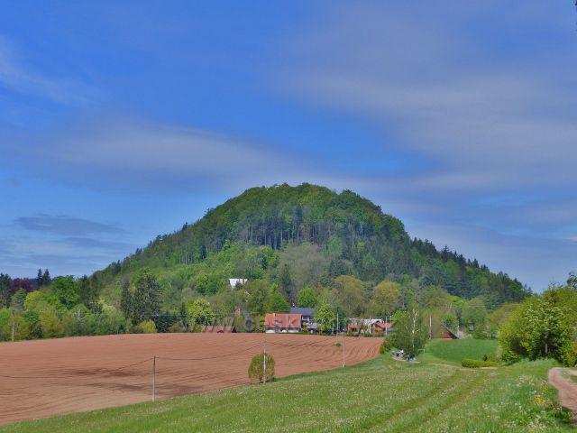 Vrch Žampach (546 m.n.m.) nad stejnojmennou obcí