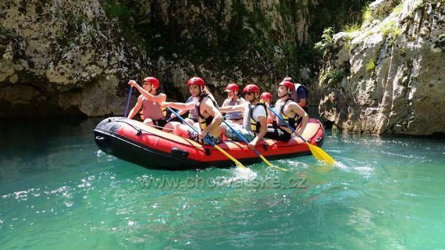 Splouvání řeky Neretvy s Raft Kor