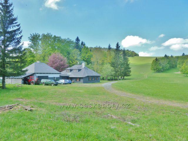 Hájovna a lovecká chata v oboře Počátky