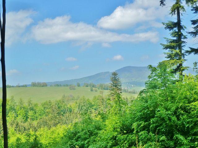 Pohled k Vojtíškovu a na Sviní horu