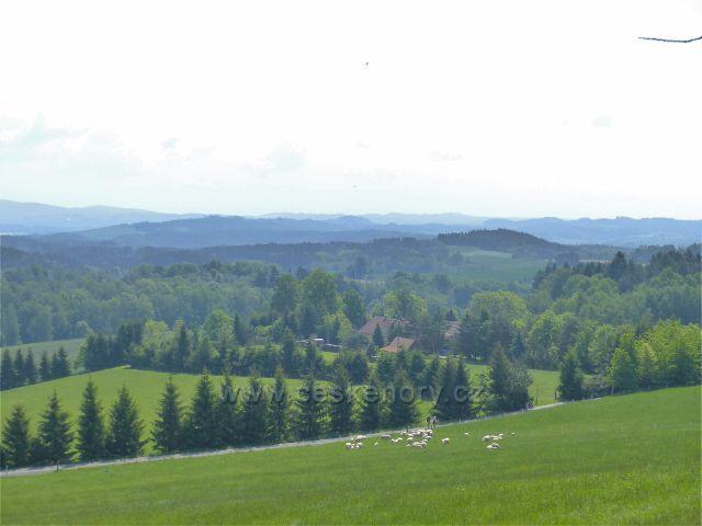 Žampach - pohled z úbočí Hory k Letohradu