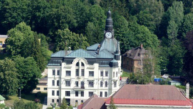 Tanvald radnice, pohled z Terezínky