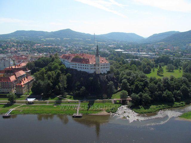 Děčínský zámek z Pastýřské stěny