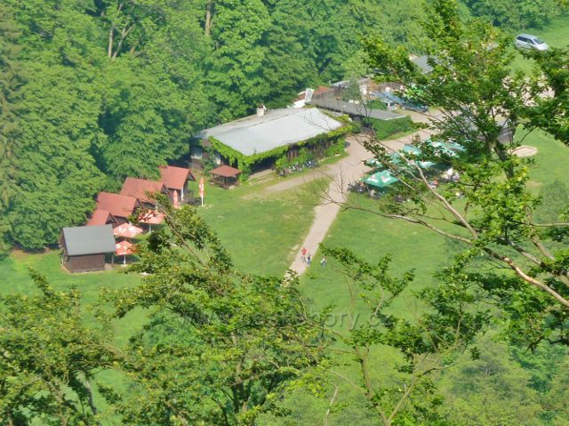 Potštejn - pohled z vyhlídkového místa na Kapradi na Vochtánku