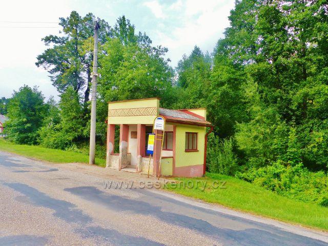 """Lampertice - autobusová zastávka """"Lampertice, dolní"""" autobusové linky z Trutnova do Žacléře"""