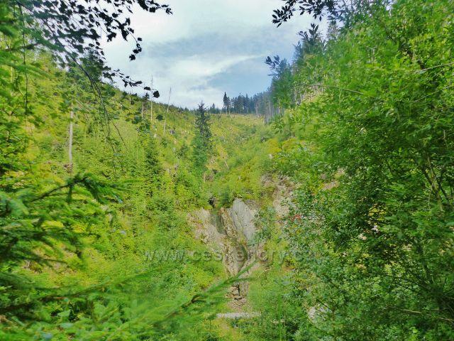 Žacléřské boudy - pohled do rokle nad Doubravovým vodopádem