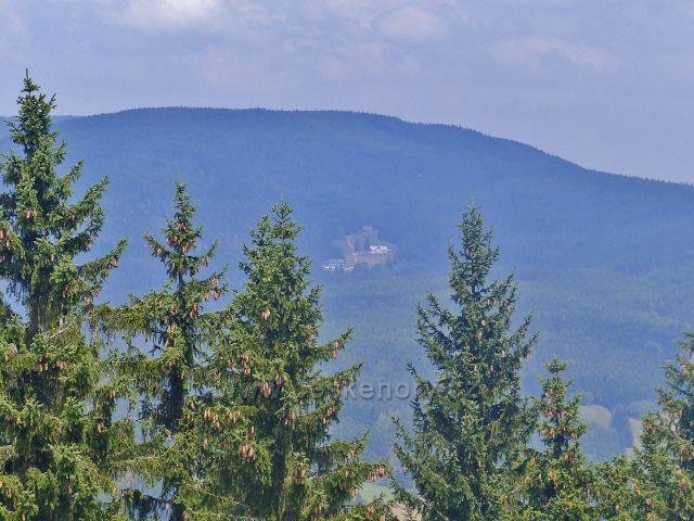 Rychleby - pohled z vyhlídkové plošiny na Kutné na Lysečinské boudy