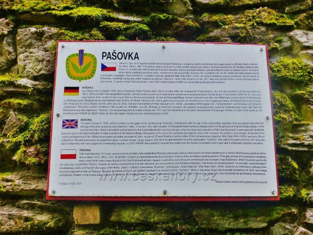 Rýchory - informační tabulka na lovecké chatě Pašovka