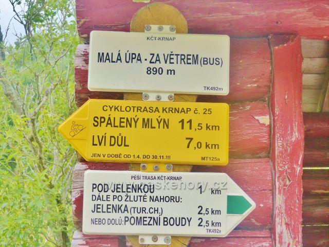 """Horní Malá Úpa - turistický rozcestník""""Malá Úpa-Za větrem(bus), 890 m.n.m."""""""
