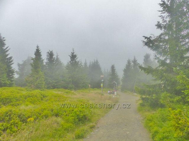 Horní Malá Úpa - Soví sedlo se zahaluje mlhou