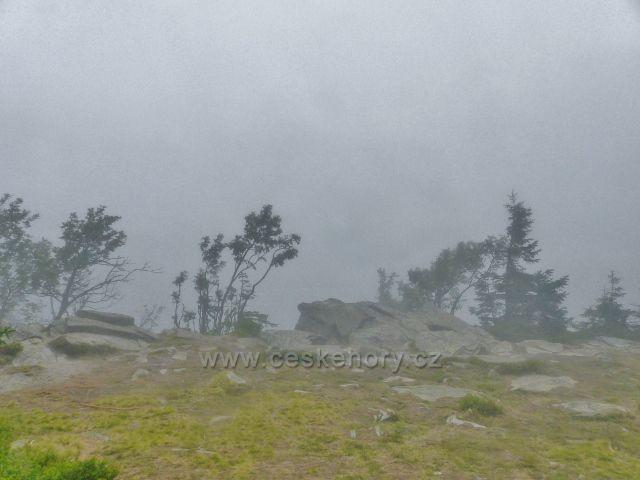 Horní Malá Úpa - výhledové místo na skalnatém vrcholu Tabule