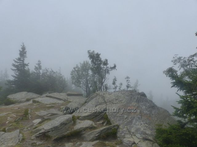 Horní Malá Úpa - skalnatý vrchol Tabule je současné i výhledovým místem